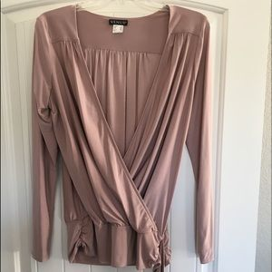 Wrap Blouse with toe at the hip